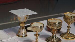 Igrejas devem suspender missas e atividades presenciais, conforme Decreto Estadual