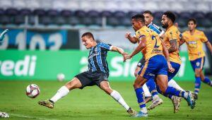 Grêmio goleia Pelotas e segue no G4 do Campeonato Gaúcho