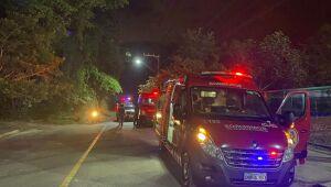 Homem se joga de ponte pênsil em Schroeder e mobiliza bombeiros da cidade