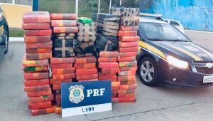 Polícia Rodoviária Federalapreende quase uma tonelada de maconha em Mafra