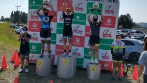 Ciclistas conquistam pódio de etapa catarinense