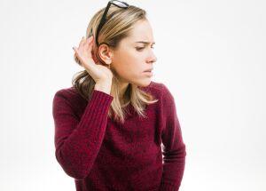 Implante coclear devolve a audição a pacientes surdos