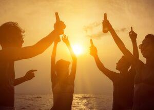 Período de férias exige atenção quanto ao consumo de bebidas alcoólicas