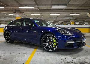 Porsche Panamera E-Hybrid. Com um nome desses precisa falar mais?
