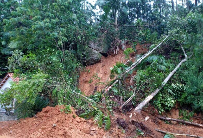 Subida do Rio Molha terá períodos de interdição para remoção de pedra