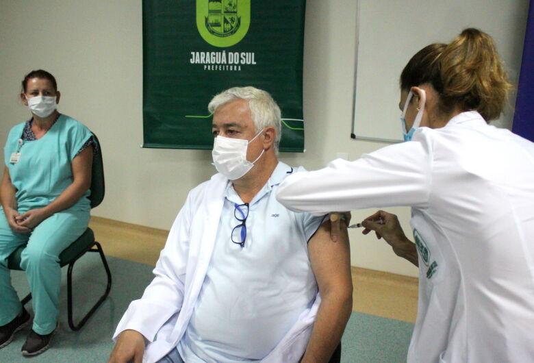 Jaraguá do Sul inicia a vacinação contra a Covid-19