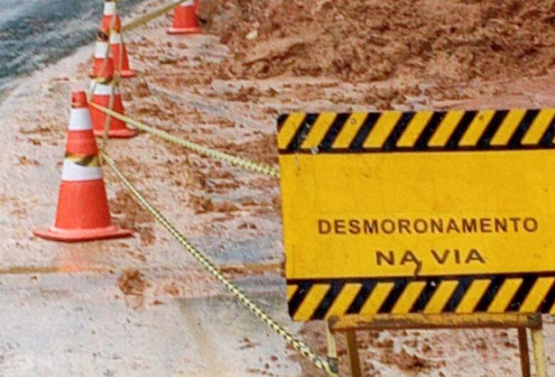 Defesa Civil mantém interdição parcial da subida do Molha