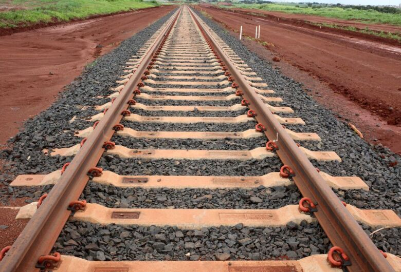 No Ministério da Infraestrutura, FIESC mostra viabilidade de ferrovias em SC