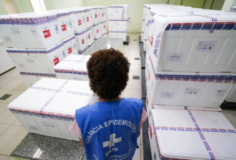 Secretaria de Estado da Saúde define entrega de vacinas após reunião com municípios
