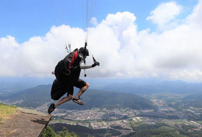 Jaraguá recebe etapa do Campeonato Catarinense de Parapente