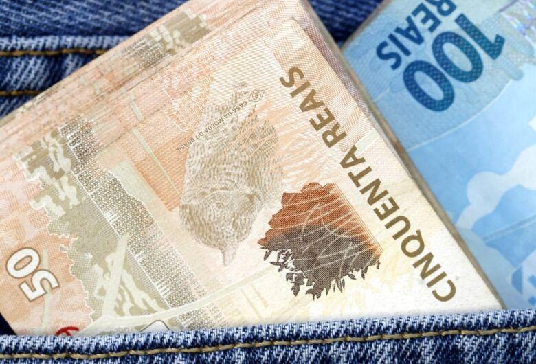 Adolescente é detido com dinheiro falso em Jaraguá