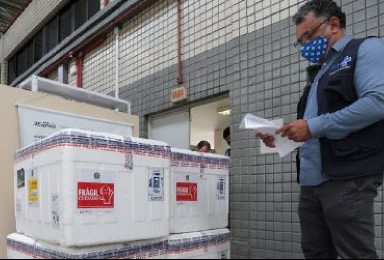 Santa Catarina recebe mais 59,5 mil doses da vacina Oxford-AstraZeneca