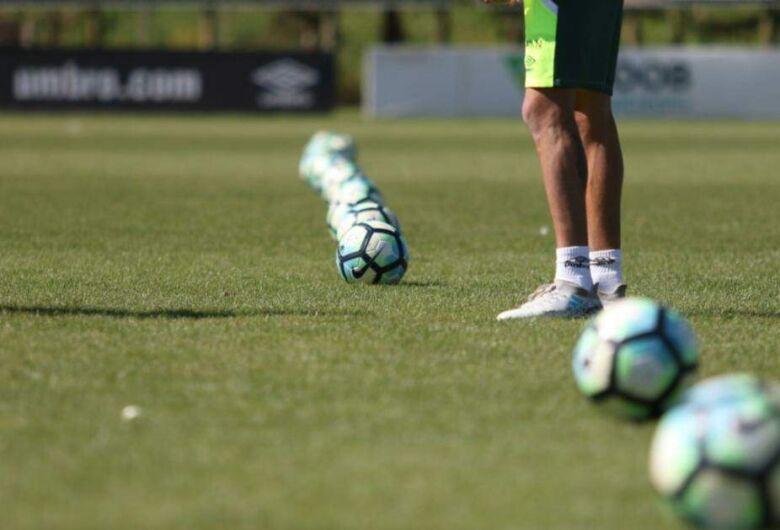 Apesar de novo decreto, futebol recreativo segue proibido em SC