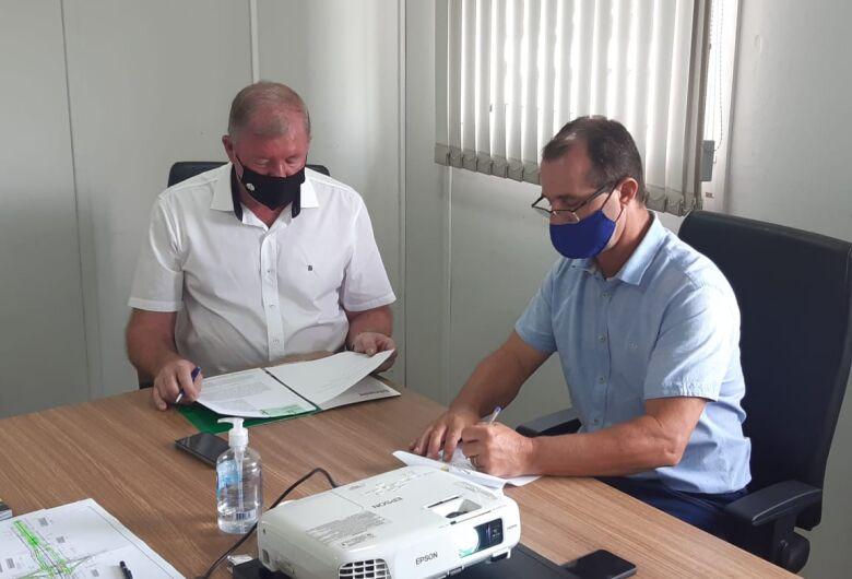 Guaramirim e Schroeder firmam parceria para manutenção da rua Rio de Janeiro