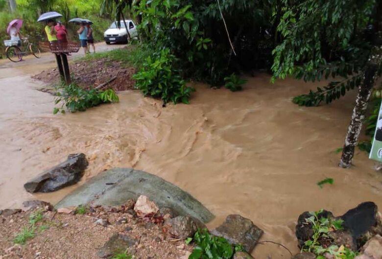 Chuva provoca estragos em Jaraguá