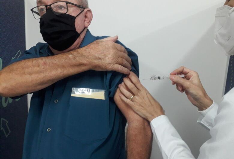 Mais de 3,7 mil pessoas devem tomar a segunda dose contra covid nesta semana em Jaraguá