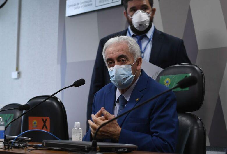 TRF1 hebt eine einstweilige Verfügung auf, mit der Renan Caliros im CPI-Bericht blockiert wird