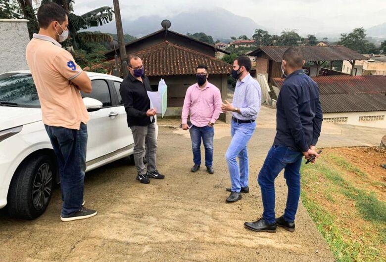 Celesc analisa ampliação da rede em loteamentos em processo de regularização em Jaraguá