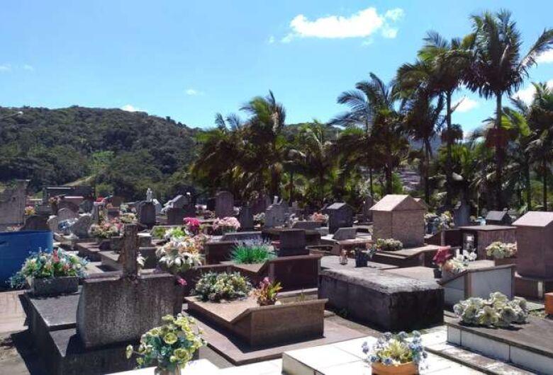 Vereadores autorizam recursos para manutenção de cemitérios em Guaramirim