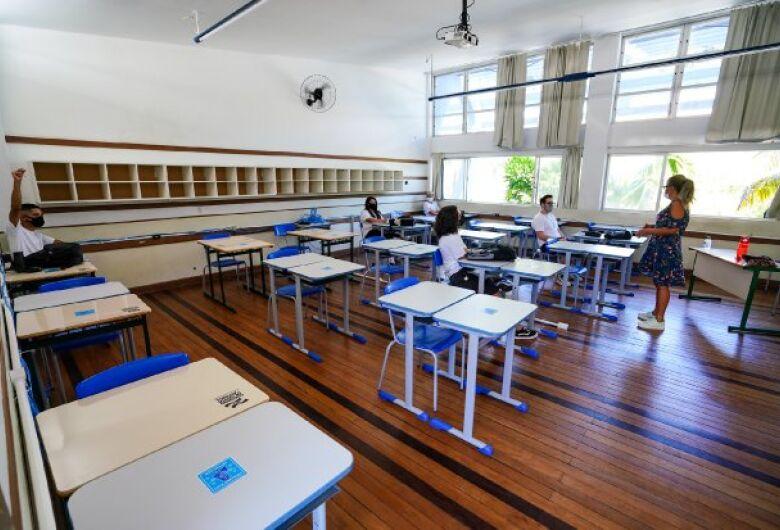 Covid-19: Estado apresenta Plano de Vacinação para Profissionais da Educação