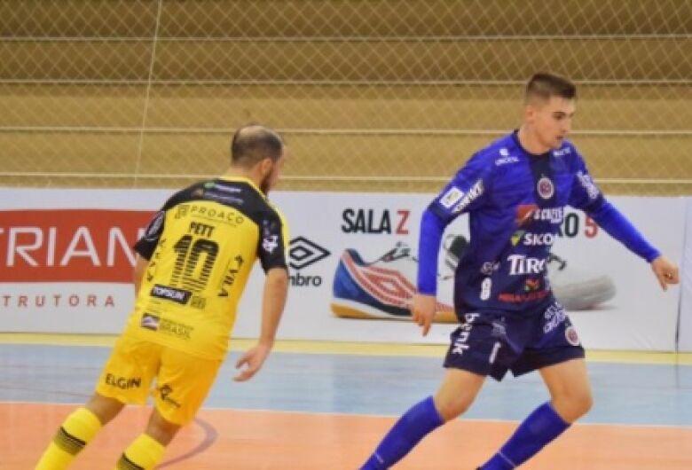 Jaraguá perde para o Joaçaba na estreia da Liga Nacional