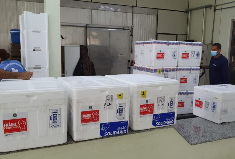 SC recebe novo lote com 129.750 doses da vacina contra Covid-19