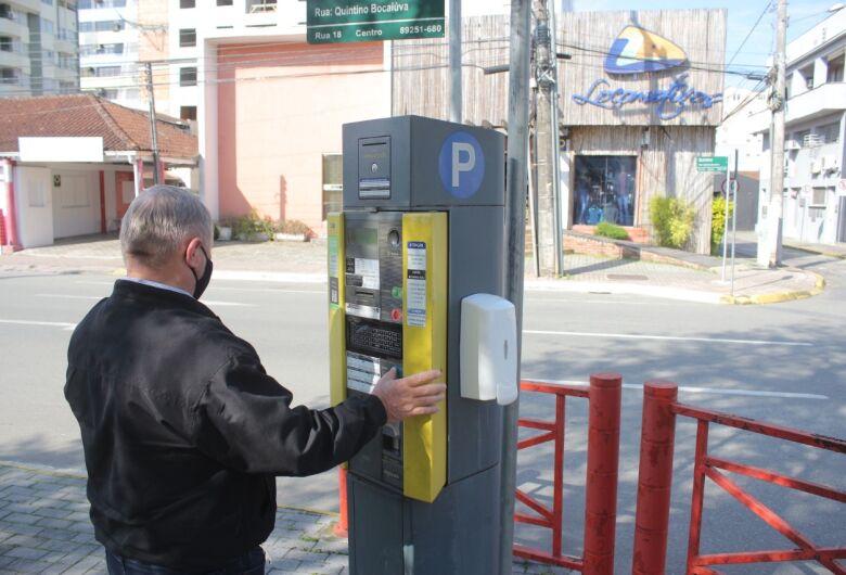 Justiça suspende pagamento de tarifa de pós-utilização no rotativo