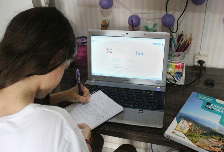 Educação alerta sobre a responsabilidade das famílias nas tarefas escolares