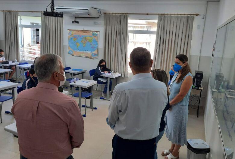 Lunelli e Franzner visitam unidades escolares recém-reformadas