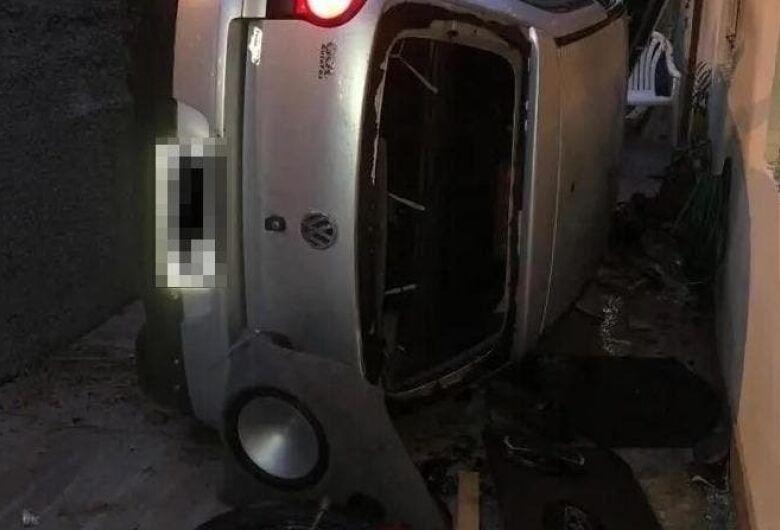 Perseguição maluca termina com carro sem motorista em Blumenau
