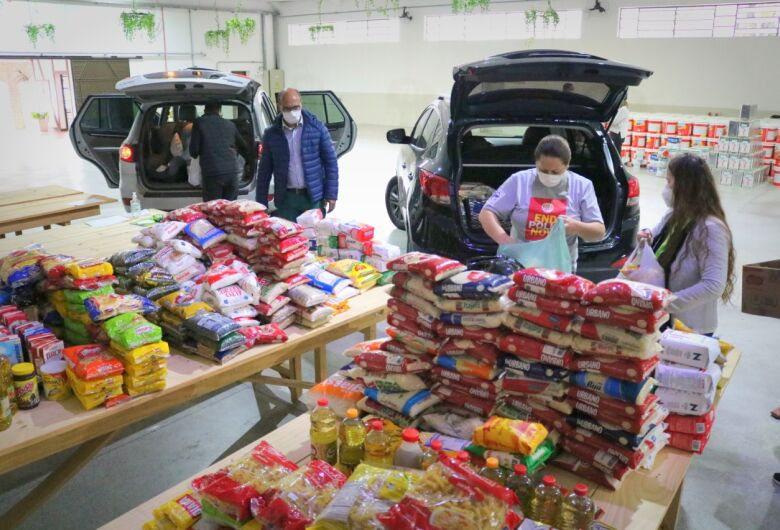 Secretaria de Assistência Social faz 5ª entrega de alimentos em Jaraguá