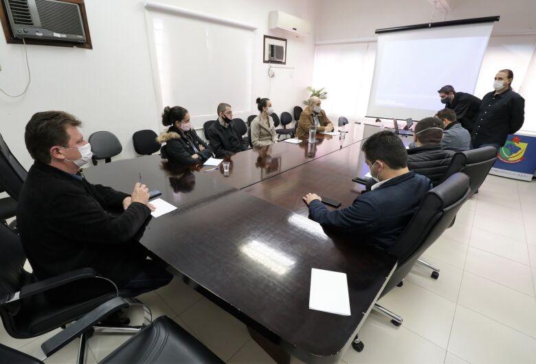 Reunião marca início de implantação do Sistema Legislativo Digital em Jaraguá