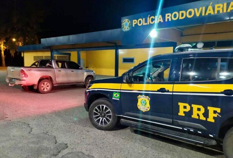 PRF recupera caminhonete roubada que circulava clonada na BR-101 em Joinville