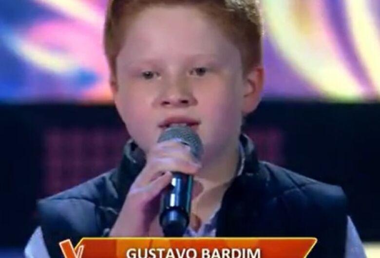 [Vídeo] Gustavo Bardim, de Guaramirim, se apresenta no The Voice Kids, da TV Globo