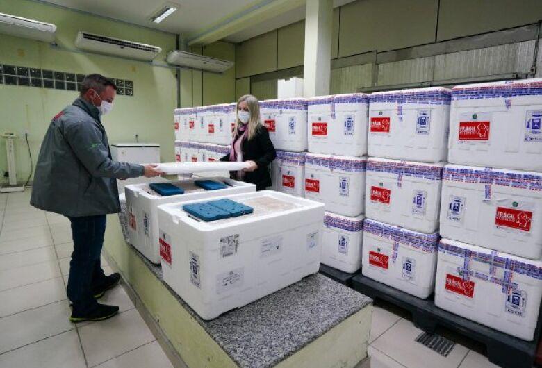 SC recebe mais 309 mil doses da vacina contra a covid-19