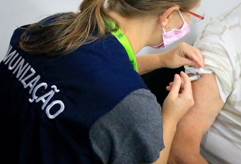Jaraguá libera vacinação contra a covid-19 para pessoas com 52 anos
