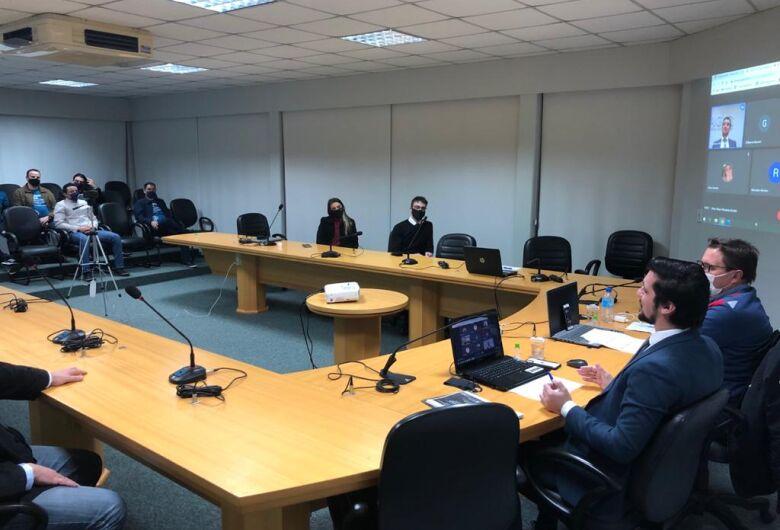 Advogado esclarece lei que regulamenta uso de dados pessoais na plenária da ACIAG