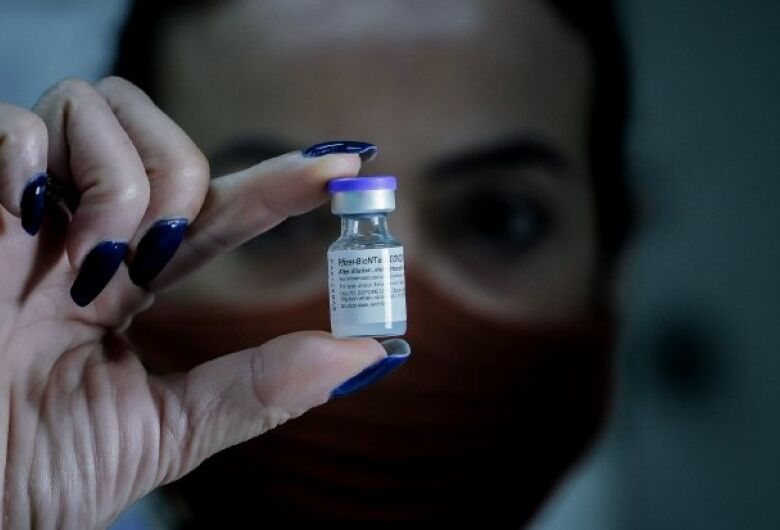 Saúde discute critérios que serão adotados na imunização de adolescentes em SC