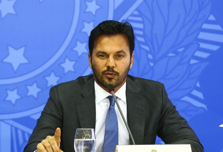 Ministro defende privatização dos Correios em pronunciamento