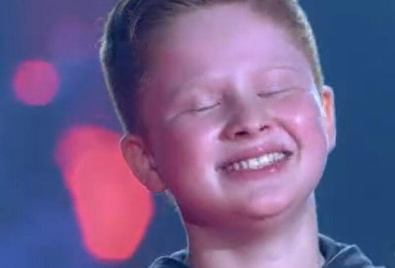 [Vídeo] Gustavo Bardim avança no The Voice Kids após escolha de Michel Teló