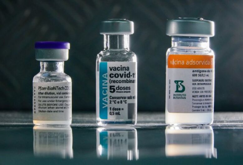 Estado distribui 378 mil doses de vacina contra a Covid-19 nesta quarta-feira