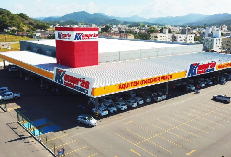 Komprão Koch Atacadista inaugura loja em Jaraguá do Sul