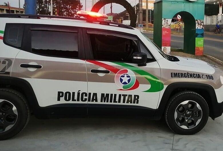 Carro furtado é recuperado em Guaramirim