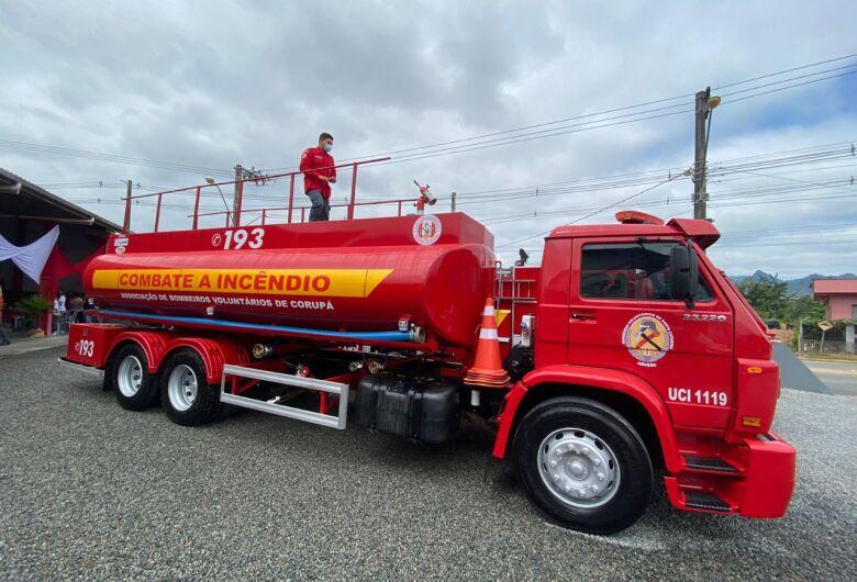 Lunelli faz importante doação aos bombeiros de Corupá