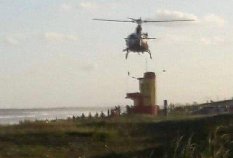 Bombeiros iniciam o terceiro dia de buscas por jaraguaense desaparecido na praia do Ervino