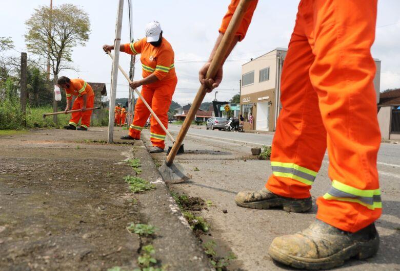 Jaraguá já conta com nova prestadora de limpeza urbana