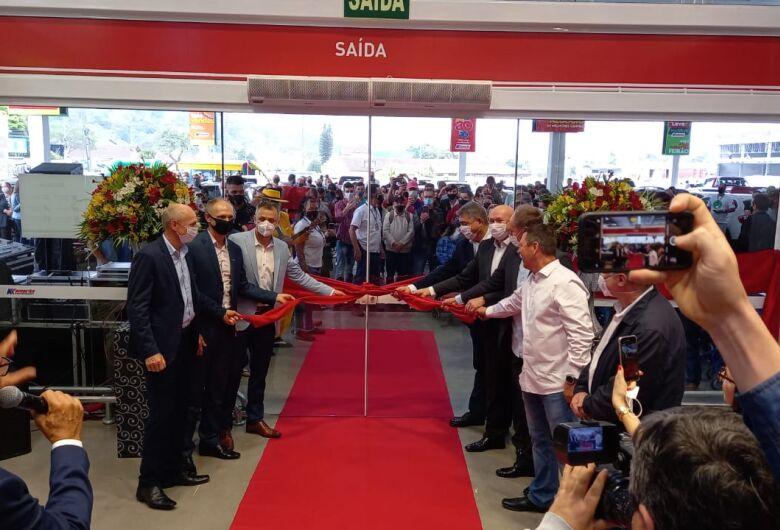 Com investimento de R$ 40 milhões, Komprão inaugura em Jaraguá