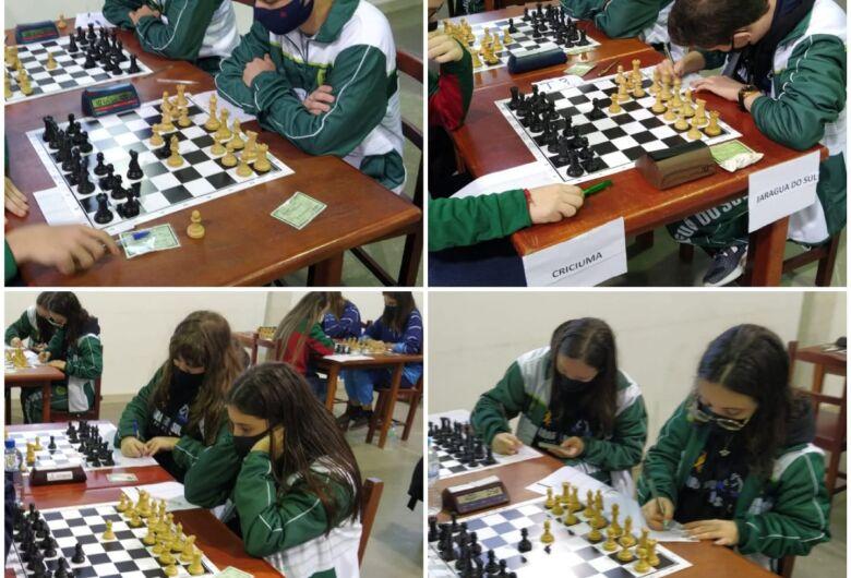 Xadrez de Jaraguá conquista o vice-campeonato dos Joguinhos Abertos