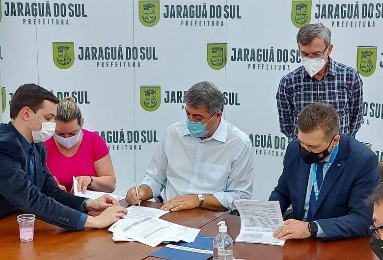Lunelli anuncia R$ 100 milhões de investimentos em mais 40 obras