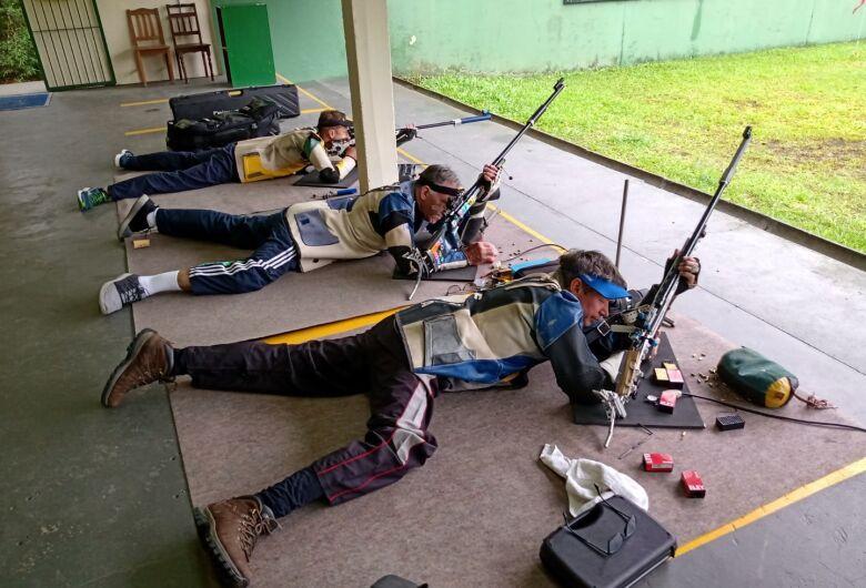 Delegação de tiro de Jaraguá é destaque do Catarinense